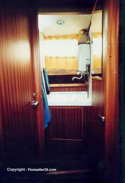 Washroom - starboard